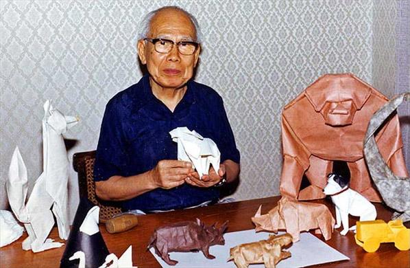 Akira Yoshizawa with origami-animals